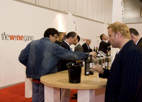 the winegang.com's Top 100 stand © Charmaine Grieger